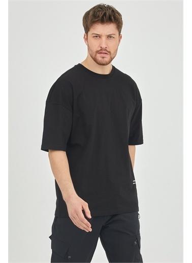 XHAN Taş Rengi Arkası Baskılı Oversize T-Shirt 1Kxe1-44652-56 Siyah